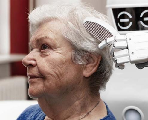 Altenpflege-mit-Roboter